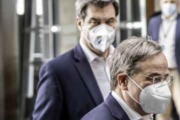 Laschet und Söder schwören Union im Europapark auf heiße Wahlkampf-Phase ein