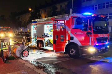 Berlin: Großeinsatz der Feuerwehr: Autowerkstatt in Reinickendorf brennt
