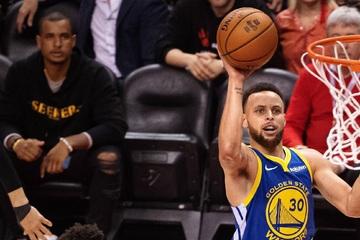 NBA: Warriors clinch big opening night win on Lakers' home turf