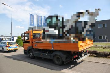 Polizei erblickt Klein-Lkw auf der A6: Sofort schrillen die Alarmglocken