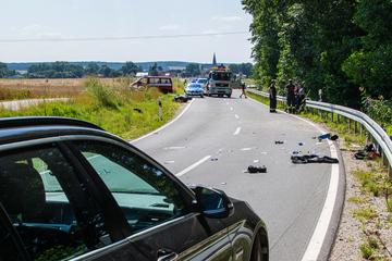 Freunde mussten alles mitansehen: Motorradfahrer (†19) stirbt nach Sturz gegen Leitplanke