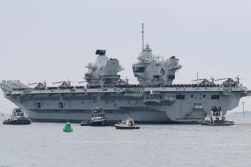 Russland warnt britisches Kriegsschiff mit Schüssen und Bomben