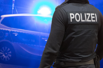 60-Jährige ist schwer betrunken und greift Polizei-Streife an
