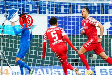 Mainz 05 verschärft Schalker Sorgen: Glatzel erzielt frühestes Bundesliga-Tor aller Zeiten!