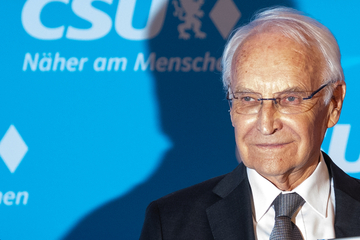 München: Trotz doppelter Impfung: Edmund Stoiber mit Coronavirus infiziert