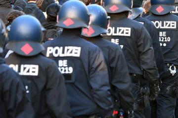 Berlin: Schon wieder Rassismusverdacht: Polizei Berlin ermittelt in den eigenen Reihen