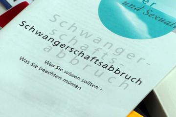 Rund 3300 Schwangerschafts-Abbrüche in Sachsen-Anhalt – Aktionstag gegen Paragraf 218