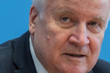 """Seehofer wollte zurücktreten: """"Platz für jüngere Leute machen"""""""
