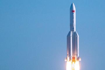 China-Rakete vor Rücksturz auf Erde: Diese Gebiete liegen in Risikozone