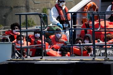 Behörden erwarten Tausende weitere Migranten