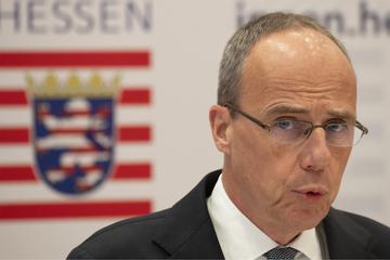 Innenminister Beuth: 49 hessische Polizisten nahmen an rechtsextremen Chats teil