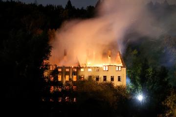 "Chemnitz: Flammeninferno! Chemnitzer ""Lost Place"" komplett abgefackelt"