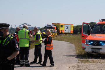 Unglück am Hamburger Airport: Flugzeug schießt über Landebahn hinaus