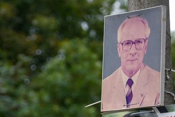 Leipzig: Honecker for Kanzler? Plakat mit DDR-Staatschef in Leipzig gesichtet