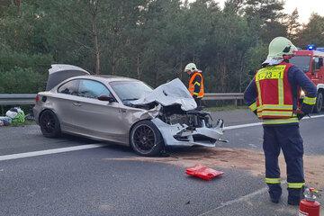 Unfall A9: Unfall auf der A9: BMW kracht in Laster