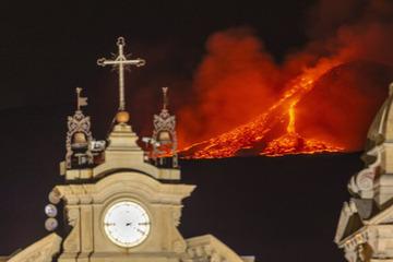 Lava-Fontänen und Rauchsäulen: Ätna und Stromboli wieder ausgebrochen