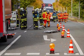 Lebensbedrohliche Lage im Erfurter Thüringen Park? 1200 Einsatzkräfte proben Katastrophenfall