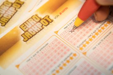 Eurojackpot: Glückspilz gibt vier Euro aus und gewinnt 2,7 Millionen!