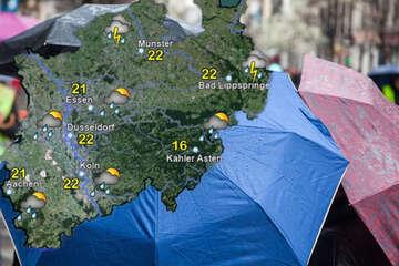 Wetterdienst kündigt in Teilen von NRW Gewitter mit Starkregen an