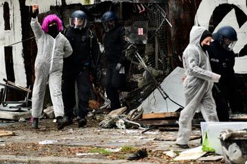 Berlin: Dutzende Festnahmen bei Köpi-Räumung: Polizei löst Linken-Camp auf