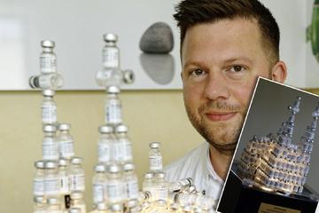 Kölner Arzt wird kreativ: Nachbau des Doms aus ungewöhnlichem Material