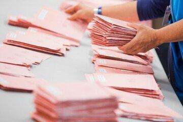 """""""Kreuz""""-Züge zu den Kabinen: Wahlbeteiligung in Bayern wohl deutlich höher als 2017"""