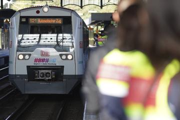 Bahn feiert Weltpremiere: Erste digitale S-Bahn gestartet