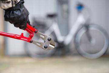 Während EM-Spiel: Fußballfan kann eigenen Fahrraddiebstahl verhindern