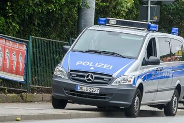 Dresden: Teenager an Dresdner Haltestelle überfallen und ausgeraubt