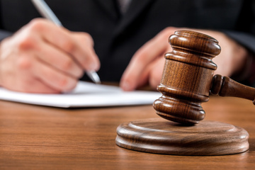 Hunderttausende Dateien mit Kinderpornos: Plädoyers und Urteil für zwei Haupttäter erwartet