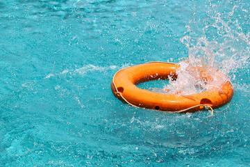Teenager (†18) springt in Baggersee und taucht nicht mehr auf