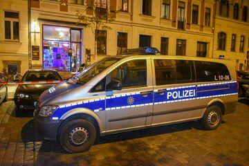 Leipzig: Schock in der Südvorstadt: Zwei Männer nach Späti-Überfall flüchtig