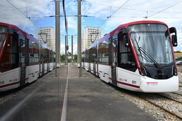 Erfurt: Straßenbahn und Bus offenbar mit Stahlkugeln beschossen