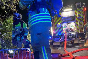 Dresden: Brand in Einfamilienhaus: Feuerwehreinsatz in Dresden-Kaditz!