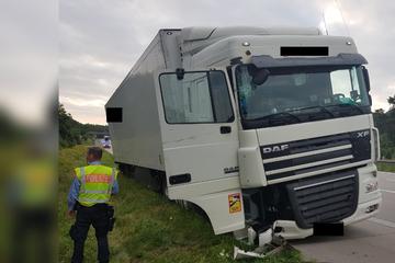 Unfall A2: Mit fast drei Promille! Besoffener Lkw-Fahrer verpasst Ausfahrt, dann knallt es