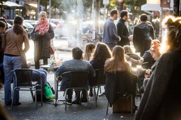 Hessen macht sich locker: Diese Corona-Regeln fallen am Freitag weg