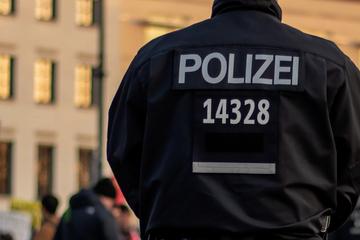 Haus mit Luftdruckpistole beschossen: Mieter schießt zurück, zwei Kinder verletzt