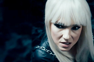 """Komikerin Carolin Kebekus singt als """"Lady Gender Gaga"""" für gendergerechte Sprache"""