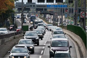 Berlin: Raser donnert mit 50 km/h zu viel an Zivilstreife vorbei: Auto und Führerschein beschlagnahmt