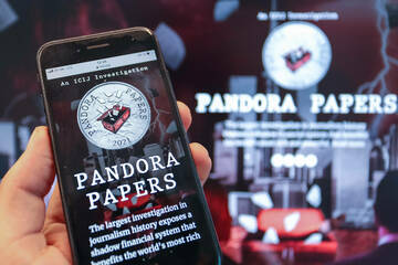 Pandora papers show where hundreds of politicians and billionaires hide their money