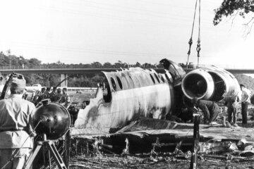 """Polizist erinnert sich """"Da lag das Cockpit"""": Pilot verhinderte mit spektakulärer Notlandung auf A7 viele Tote"""