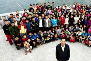 Er hatte 38 Frauen und 89 Kinder: Oberhaupt der wohl größten Familie der Welt ist tot!
