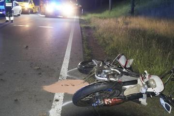 Schwerer Unfall in Sachsen: 17-Jähriger prallt mit Motorrad gegen Baum und stirbt!