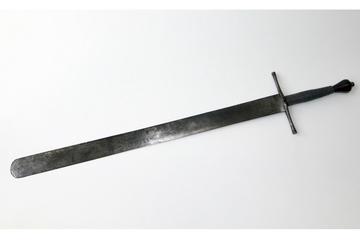 Vor 50 Jahren gestohlen: Henkersschwert und andere Waffen zurück