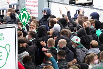 Randale am Stadion: Fans von Werder Bremen lassen Aggression freien Lauf!