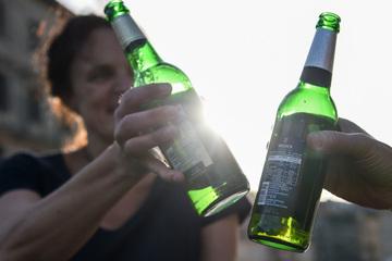 Berlin: Maskenpflicht gelockert, kein Alkoholverbot mehr: Welche Corona-Regeln ab Freitag in Berlin gelten