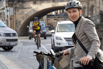Dresden: Fußweg-Fahrverbot! Neuer Zick-Zack-Kurs für Radler am Terrassenufer