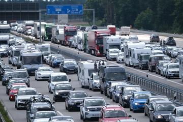Unfall A6: Crash mit mehreren Fahrzeugen: Autobahn voll gesperrt!