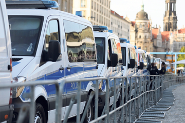 Polizei mit Großaufgebot: Demo-Alarm in Dresdens Innenstadt