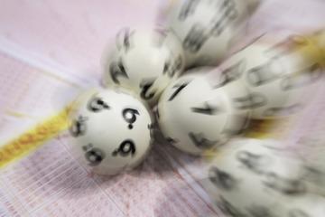 Ferien-Ende versüßt: Zwei Lotto-Spieler aus dem Landkreis Leipzig kassieren 100.000 Euro